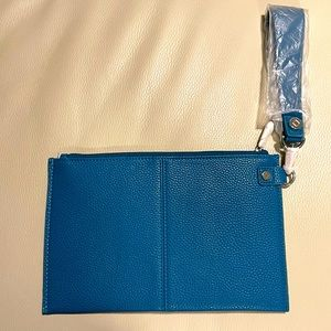 Jewell Large teal wristlet New WOT
